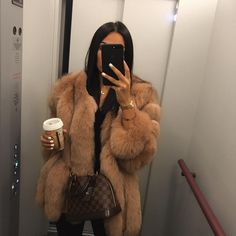 Street Style: The 30 Best Looks For Everyday - Outfit Ideas Winter Fashion Outfits, Fur Fashion, Fall Winter Outfits, Look Fashion, Autumn Winter Fashion, Womens Fashion, Petite Fashion, Mens Winter, Casual Winter