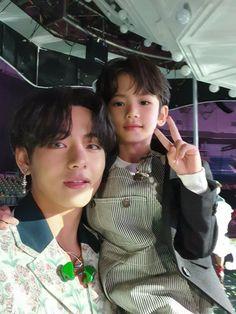 Bts Taehyung, Bts Bangtan Boy, Bts Jimin, Taehyung Photoshoot, Foto Bts, Daegu, V Bts Cute, V Bts Wallpaper, Bts Aesthetic Pictures