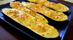 Tikvice punjene sirom i jajima su prava eksplozija okusa. Usudite se da uživate. Prepolovite tikvice po duini i kašikom izvucite sredinu koju isjeckate ...