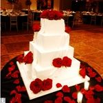 red flowers on cake