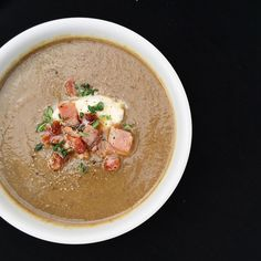 In case you missed it... This bowl full of goodness was on the blog yesterday... Mushroom soup with bacon & thyme. So delicious and easy. {link in profile} #recipe #food #sundaystyleloves