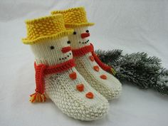 "Knitting pattern house socks ""Snowman"" – sizes 20 to 41 – # large … – Socken Stricken Knitting For Kids, Baby Knitting Patterns, Knitting Socks, Knitting Projects, Crochet Projects, Crochet Beanie Pattern, Crochet Motif, Knit Crochet, Sock Snowman"
