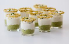 shot of green asparagus cream with bacon and cauliflower puree No Cook Appetizers, Appetizers For Party, Small Meals, Mini Foods, Food Humor, Quiches, Brunch, Food And Drink, Cooking Recipes