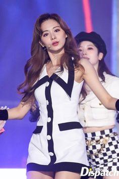 #tzuyu #twice #쯔위 #트와이스 Nayeon, Kpop Girl Groups, Korean Girl Groups, Kpop Girls, Kpop Fashion Outfits, Stage Outfits, Asian Woman, Asian Girl, Tzuyu Body