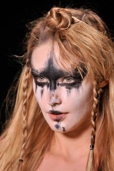 she-demon:    Obviously I need to recreate my own version of this Vivienne Westwood runway makeup.