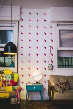 Casa de Colorir: Uma parede de flamingos pra chamar de minha