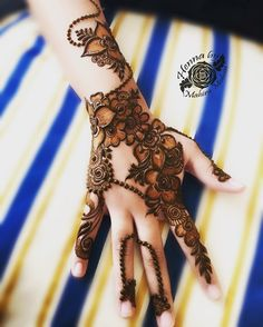Mehendi for wedd Rose Mehndi Designs, Indian Mehndi Designs, Modern Mehndi Designs, Mehndi Design Pictures, Mehndi Designs For Girls, Wedding Mehndi Designs, Mehndi Designs For Fingers, Beautiful Mehndi Design, Latest Mehndi Designs