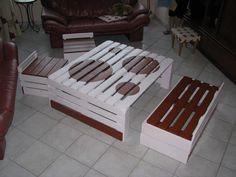 DIY Pallet Coffee Table with Chairs | 99 Pallets