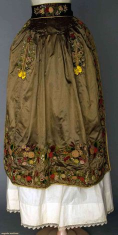 Embroidered Fancy Apron, 1830-1850, Augusta Auctions, April 9, 2014 - NYC, Lot 157