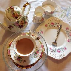 Complete sets of afternoon tea china for hire.