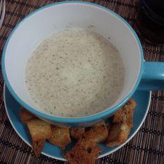Крем-суп из шампиньонов со сливками на бульоне