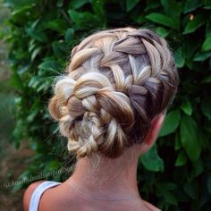 braided updo- Doesn't look to hard! Up Hairstyles, Pretty Hairstyles, Braided Hairstyles, Wedding Hairstyles, Romantic Hairstyles, Pinterest Hair, Braided Updo, Great Hair, Bridesmaid Hair