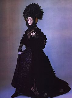 Phantom Menace costumes in Vogue. Audrey Marnay by Irving Penn & Phyllis Posnick. Vogue April 1999.