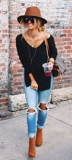 Latest Fashion Trends – This casual outfit is perfect for spring break or the Fall. 37 Insanely Cute Street Style Outfits To Wear Asap – Latest Fashion Trends – This casual outfit is perfect for spring break or the Fall. Fashion Mode, Look Fashion, Winter Fashion, Womens Fashion, Fashion Trends, Ladies Fashion, Fashion Ideas, Fashion 2018, Feminine Fashion