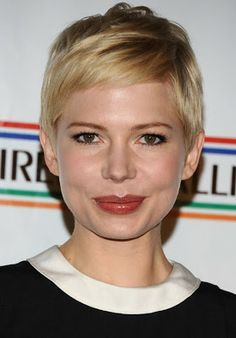 Michelle Williams is a beauty with her pixie cut
