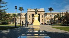 Museo en el Parque Quinta Normal. Santiago de Chile Santa Lucia, Historia Natural, Tours, Sidewalk, Mansions, House Styles, Dates, Travel Album, Metro Station