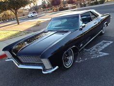 "1965 Buick Riviera One of the guys in highschool drove the legendary ""ducktail"". I believe he's selling cars at Mecum Auctions now. 'magine that! Vintage Cars, Antique Cars, 1965 Buick Riviera, Automobile, Buick Cars, Us Cars, Cars Usa, Old School Cars, Porsche"