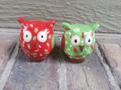 Cute Owl Salt and Pepper shakers by AJsWeddingSupplies on Etsy, $8.00  Want them!! :)