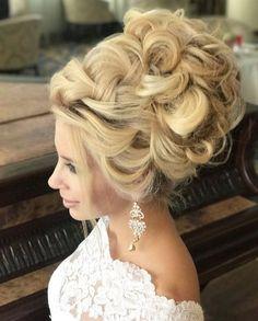 Long Wedding Hairstyles from Elstile / http://www.himisspuff.com/long-wedding-hairstyles-from-elstile/8/