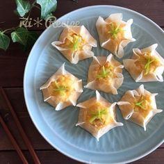 レンジで簡単*豆腐とちくわのふわふわシュウマイ by riiさん | レシピブログ - 料理ブログのレシピ満載!   rii*Recipe 『豆腐とちくわのふわふわシュウマイ』 今回ご紹介する rii*Recipe レンジで簡単に 残りがちな餃子の皮を使って ヘルシーなシュウマイに仕上げました* (蒸し餃子かな*...