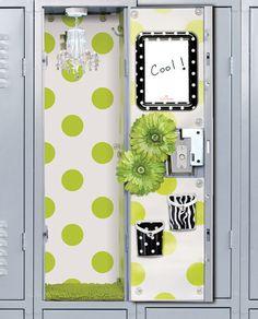 school decor for girls lockers - cute and girly Locker Accessories Girls Locker Ideas, Cute Locker Ideas, Diy Locker, Locker Stuff, Locker Crafts, High School Yearbook, My High School, Back To School, School Stuff