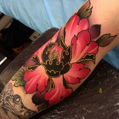 Leading Tattoo Magazine & Database, Featuring best tattoo Designs & Ideas from around the world. At TattooViral we connects the worlds best tattoo artists and fans to find the Best Tattoo Designs, Quotes, Inspirations and Ideas for women, men and couples. Body Art Tattoos, New Tattoos, Sleeve Tattoos, Tattoos For Guys, Cool Tattoos, Tatoos, Piercing Tattoo, Piercings, Skink Tattoo
