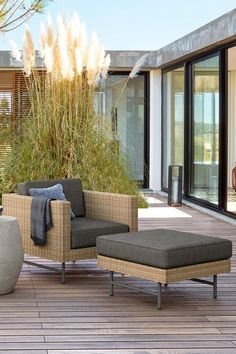 460 Modern Outdoor Furniture Spaces Ideas In 2021 Modern Outdoor Furniture Modern Outdoor Spaces Contemporary Outdoor