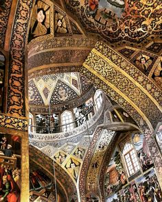 Vank cathedral in EsfahanIran 360 years ago Photo by @m1rasoulifard کلیسای وانک مکان:جلفا اصفهان دیرینگی:360 سال بانی اثر: عالیجناب فیلیپوس داخل بنا با تزئینات تلفیقی از معماری اسلامی و نقاشیهای دیواری غربی مزین شده و سمفونی رنگهای بکار برده شده بر شکوه بنا میافزاید. عکس از زیر گنبد کوچک که محل قرارگیری عموم هست گرفته شده و در انتها گنبد بزرگتر که محراب مقدس را پوشش داده نمایان است. عکس از: مهرداد رسولی فرد  #iran #esfahan #art #circle #architect #architecturelovers #architecture…