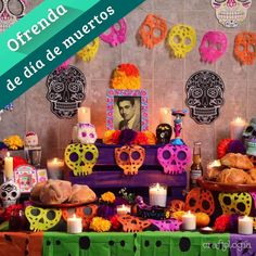 Mexican Halloween, Halloween Eyes, Easy Halloween, Halloween Crafts, Halloween Decorations, Day Of The Dead Diy, Day Of The Dead Party, Rose Gold Christmas Decorations, Maquillage Halloween