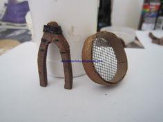 Quiero mostraros complementos o accesorios que he ido construyendo para el Belén, AFILADOR MESA DE CARPINTERO HERRAMI...