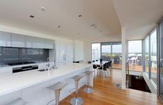 Ridge Street Duplex, Merewether by Webber Architects (Newcastle AUS) #architecture #residentialarchitecture #interiordesign #kitchendesign
