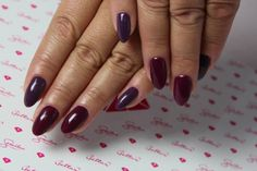 Have no idea for autumn manicure? Check out these beautiful autumn colors - Semilac 083 Burgund Wine & Semilac 014 Dark Violet Dreams :)