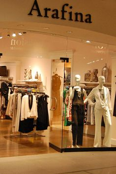 Minnesota: Arafina 3365 Galleria Edina, Minnesota 55435 (952) 925-1565 arafina.com Minnesota: Arafina What You'll Find: Alice + Olivia, Helmut Lang, Theory, Robert Rodriguez  Read more: 50 States of Shopping - The Best Boutiques in America - ELLE  Follow us: @ElleMagazine on Twitter | ellemagazine on Facebook