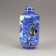China Blue And White Porcelain Turn Heart Snuff Bottle 中國清代 青花瓷三層轉心鼻煙壺