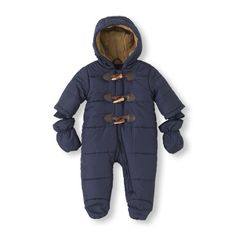 The perfect snowsuit for crisp, cold days - complete with mittens! #bigbabybasketsweeps