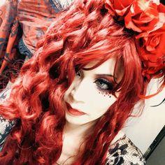 MACHI (@LAREINEMACHI) | Twitter Crossdressers, Transgender, Dreadlocks, Hair Styles, People, Rock, Beauty, Twitter, Beleza
