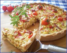 Tarta cu dovlecei My Recipes, Cooking Recipes, I Foods, Vegetable Pizza, Quiche, Feel Good, Veggies, Food And Drink, Pie