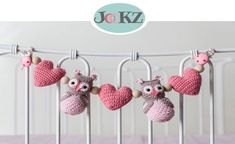 Crochet pattern play chain monkey - www. Crochet Toys, Crochet Baby, Baby Teethers, Cool Baby Stuff, Baby Love, Baby Gifts, Kawaii, Knitting, Fun