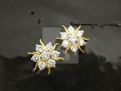 Diamond Earrings / Jhumkis / Bali - Diamond Jewelry Diamond Earrings / Jhumkis / Bali at USD Diamond Jewelry, Gold Jewelry, Jewelery, Vintage Jewelry, Diamond Earrings Indian, Antique Jewelry, Jewelry Accessories, Jewelry Necklaces, Unique Earrings