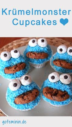 Cookie Monster Muffins: This recipe is super easy! - Children& birthday ideas - Cookie Monster Muffins: This recipe is super easy! No matter whether it& a child& birth - No Bake Cookies, Cookies Et Biscuits, Cookie Monster Cupcakes, Monster Cakes, Baby Shower Cake Pops, Christmas Chocolate, Food Humor, Cakes And More, Sweet Recipes