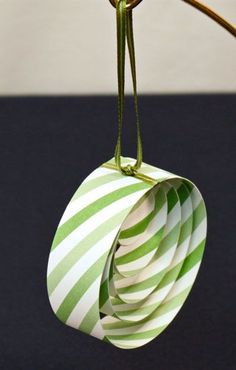 Easy Christmas Crafts Paper Circles Ornament in green stripes