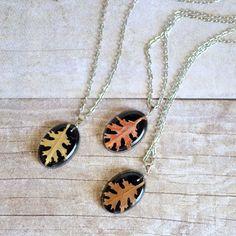 Fall autumn jewelry real oak leaf resin necklace par EightAcorns