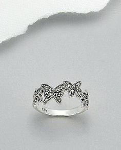 Inel fin argint si marcasite - fluturiInel fin realizat din argint 925 si marcasite. Design: fluturi. Latime maxima: 9 mm. Marimi disponibile: 5,6,7 (SUA). Silver Rings, Floral, Flowers, Jewelry, Design, Jewlery, Bijoux, Florals, Florals