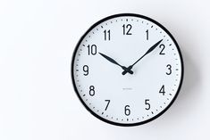 To know more about ARNE JACOBSEN 壁掛け時計, visit Sumally, a social network that gathers together all the wanted things in the world! Featuring over 276 other ARNE JACOBSEN items too! Home Clock, Mews House, Led Wall Clock, Gifts For Office, Thing 1, Scandinavian Modern, Household, Bronze, Contemporary