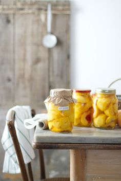 Canned peaches - my favorite Beauty And More, Canned Peaches, Home Economics, Meals In A Jar, Slow Living, Some Recipe, C'est Bon, Trifle, Food Styling