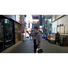 Candid PhotoGrid selfie myeongdong seoul korea Check more at http://lastdayprod.com/candid-photogrid-selfie-myeongdong-seoul-korea