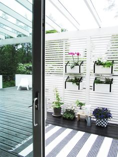 A: Vertical planting Outdoor Pots, Outdoor Gardens, Outdoor Living, Outdoor Decor, Vertical Planting, Small Outdoor Spaces, Pergola With Roof, Exterior, Terrace Garden