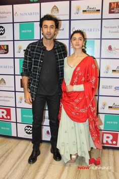 Alia Bhatt and Ranbir Kapoor at Nehru Centre to spread awarness on organ donation Bollywood Couples, Bollywood Stars, Bollywood Fashion, Indian Celebrities, Bollywood Celebrities, Bollywood Actress, Indian Dresses, Indian Outfits, Embroidered Kurti