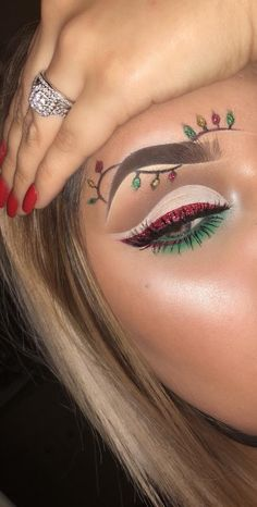 18 Christmas Makeup Inspiration For Your - Fashiotopia - Make up Maquillage Halloween, Halloween Makeup, Eyeshadow Makeup, Makeup Brushes, Sfx Makeup, Face Makeup Art, Ugly Makeup, Hooded Eye Makeup, Eyeshadows