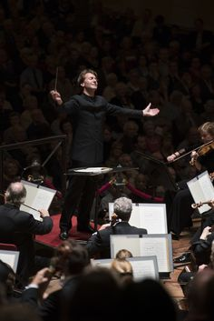 Conductor Marc Albrecht and the Netherlands Philharmonic Orchestra at the Concertgebouw Amsterdam © Onno van Ameijde